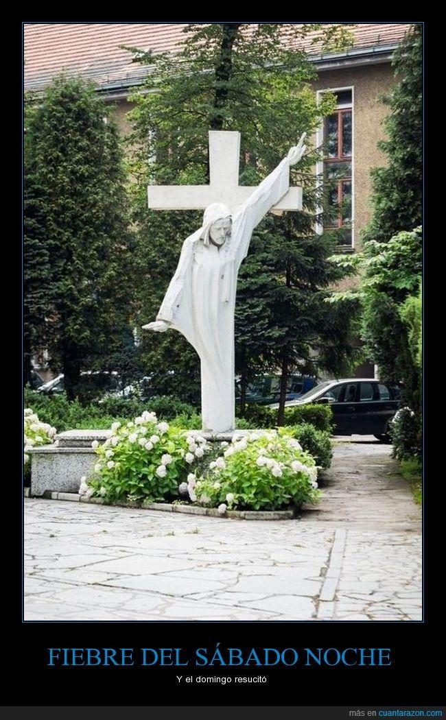 FIEBRE DEL SÁBADO NOCHE - Y el domingo resucitó   Gracias a http://www.cuantarazon.com/   Si quieres leer la noticia completa visita: http://www.estoy-aburrido.com/fiebre-del-sabado-noche-y-el-domingo-resucito/