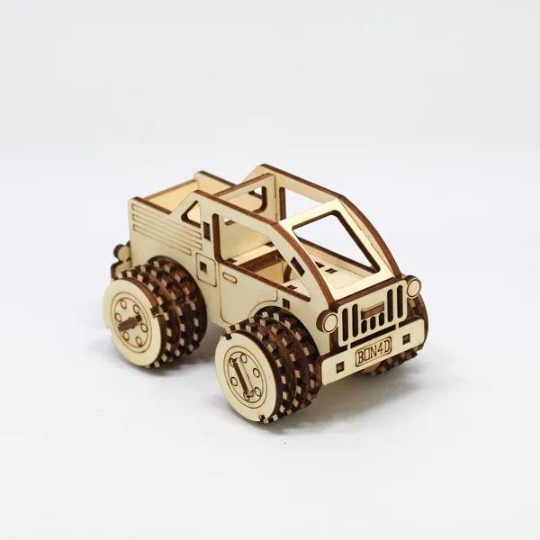 - 精緻的外觀結構,無須組裝即可玩樂- 駕駛座可搭配LEGO系列人偶- 輪軸可以轉動,輪胎可以在桌面或地上滾動- 椴木合板為易燃材質,請遠離火源或高溫產品包裝中不含照片中的樂高人偶
