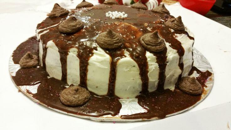 VALENTINES CAKES AND TREATS DECORATION.