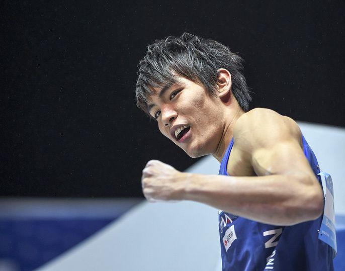 【写真特集】楢崎智亜がボルダリング男子で日本選手初の優勝 スポーツクライミング世界選手権