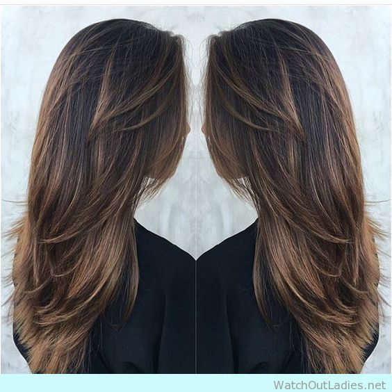 Give your brown hair a highlight with this balayage technique