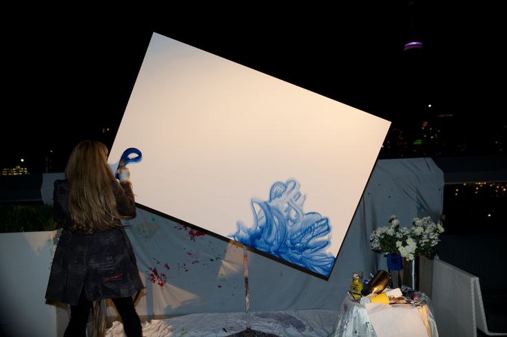 Rotating Canvas Painter - Thompson Hotel http://www.fusion-events.ca/