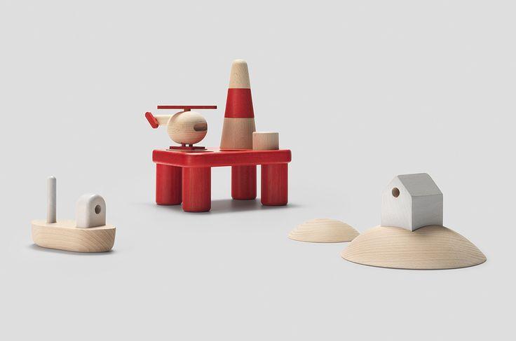 Wooden Toys by Permafrost Kan en oljeplattform bli noe søtere enn dette ;-)