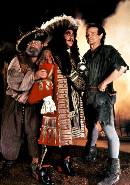 Bangarang! Hook: Bob Hoskins (Mr. Smee), Dustin Hoffman (Captain Hook) & Robin Williams (Peter Banning aka Peter Pan)