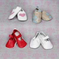 Soft leather shoes for little baby girls