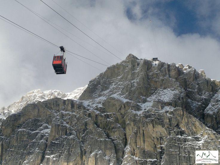 Bom dia! O que escolher? Mar ou montanha? Eis 5 boas razões para passar alguns dias de férias nas montanhas! Confira a matéria completa no blog: http://italiaviagensroteirosedicas.blogspot.com   #blogdeviagens #italia #dolomitas #viagens