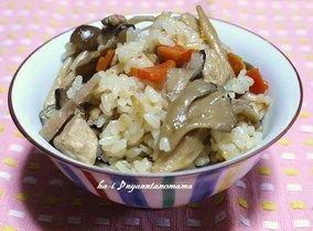 <舞茸とゴボウときのこたっぷりの炊き込みご飯> レシピブログ