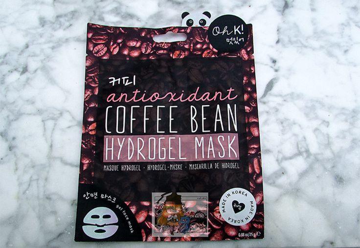 Buenas noches a tod@s! Otra mascarilla para casa es de maquillalia. De la marca oh k! es de hidrogel. Con extracto de los granos de café. Es antioxidante. Es en dos partes. Su precio es de 790. Es made in korea y lleva 25gr. #maquillia#coffee#coffeebean#antioxidant #hydrogel#mask#gelmask#hydogelmask#face#korea#madeinkorea#beauty#facemask