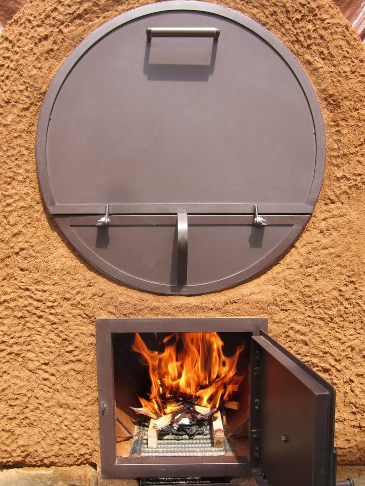 If you love the idea of healthy outdoor cooking, you've probably considered pizza and cob ovens. Have you also considered a barrel oven? They have lots of advantages and can be built for next to nothing if you have the time. If not, this site may interest you:    http://www.firespeaking.com/