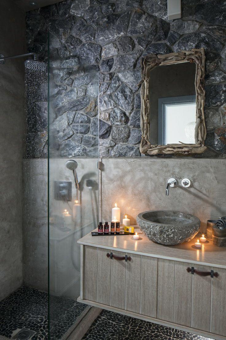 Bathroom Minimalism of Villa Soleado in Astypalaia: http://instylevillas.net/property/villa-soleado-astypalaia/