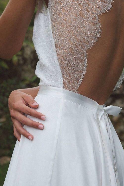 details, lace back.