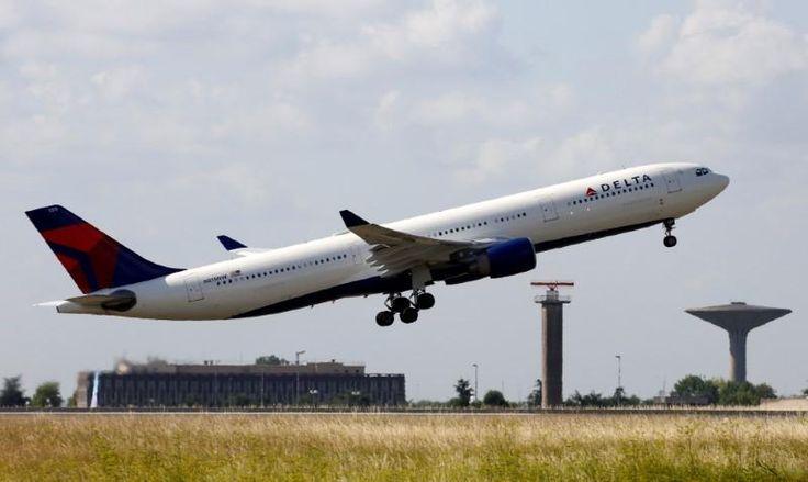 Delta Air cuts Q1 operating margin forecast, citing higher costs