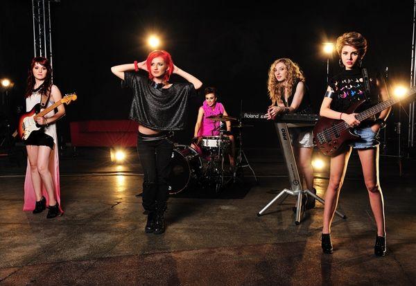 Blaxy Girls – Mi-e dor (premiera videoclip)