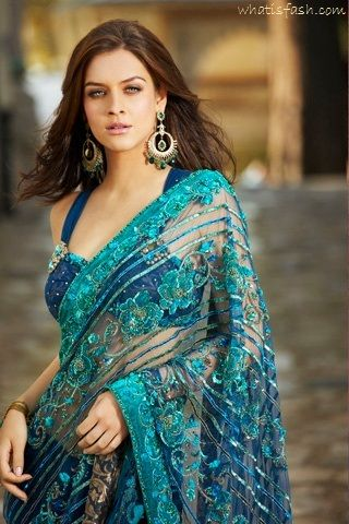 In love with this turquoise & navy wedding sari!