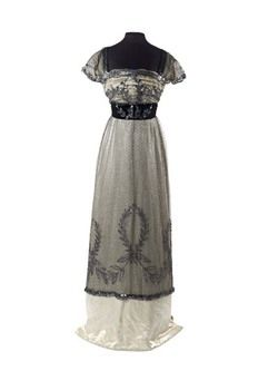 1909-10 Evening Dress by Madame Hayward, Museum of London & in Janet Arnold's Patterns of Fashion book