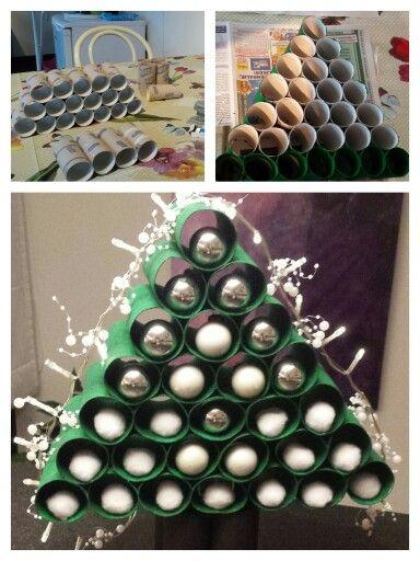 Kerstboompje van wc rollen