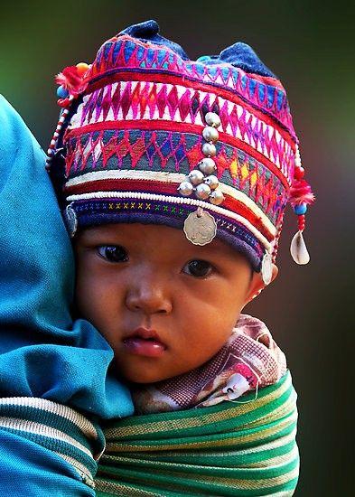 Piękne, związane z kulturą danego obszaru czapeczki to ciekawy element w stroju malucha. Spraw, by Twoje dziecko dostawało wszystko, co najlepsze na http://mlekolandia.pl/