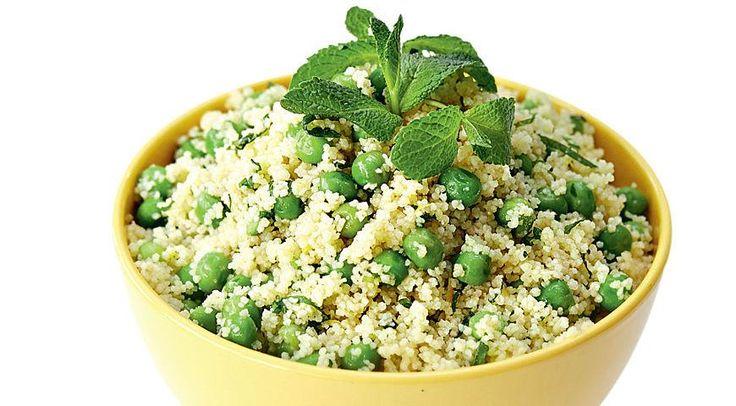 Салат из зеленого горошка с мятой и кускусом