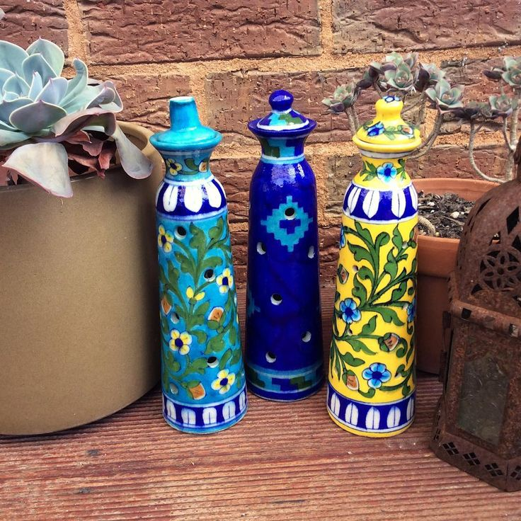 Colourful & fun are these handpainted blue pottery incense holders/ decor items handmade by Jaipuri artisans, part of my INSTASALE  was RRP $35.00 now $15.00 DM me if interested #homedecor#homewares#turquoise#decor#design#designporn#instasale#floral#pretty#blue#yellow#interiors#interiorstyling#interiordesign#moroccan#indian#vibrant#shakiraaz#handmadegifts#handpainted#pottery#colourful#colour#indian#artisanal#sale#decorative