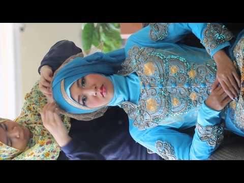 Hijab Tutorial - Muslimah Modelling Class - Yogyakarta by Nura, MGiovann...