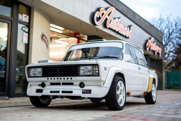E30 Rear End, Sequential Gearbox: 1980 Lada 2107 Rally Build  http://bringatrailer.com/2017/02/27/e30-rear-end-sequential-gearbox-1980-lada-2107-rally-build/