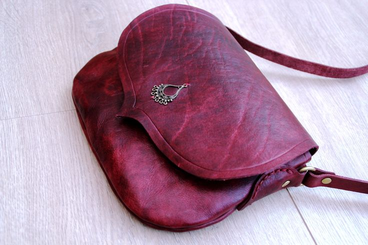 Leather handmade small bag - 2 days in Kaula workshop