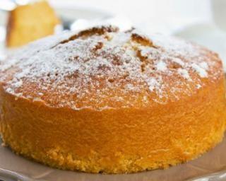 Gâteau de Savoie sans beurre : http://www.fourchette-et-bikini.fr/recettes/recettes-minceur/gateau-de-savoie-sans-beurre.html