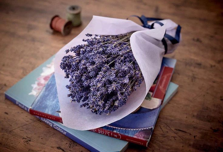 Dried Lavender Bunch - 240 Stems by YourLittleStore on Etsy https://www.etsy.com/listing/494983858/dried-lavender-bunch-240-stems