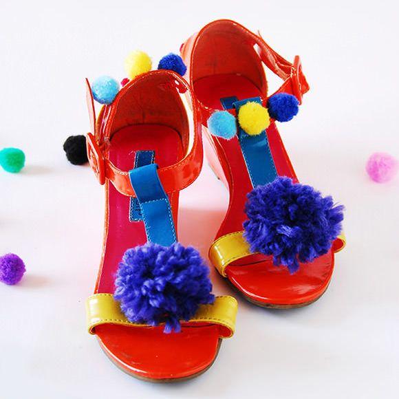 sweet pom pom sandals
