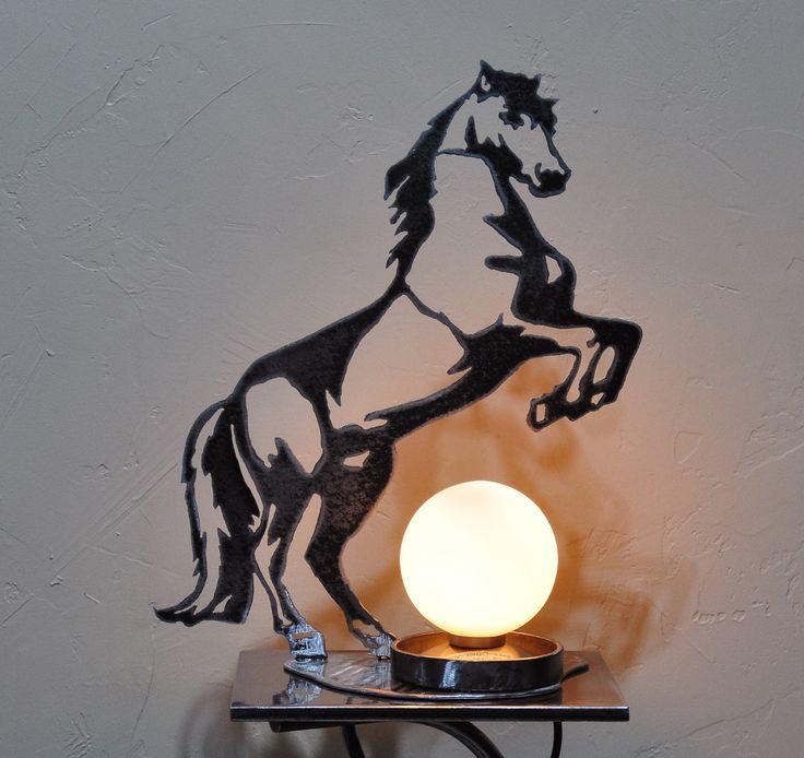 Les 25 meilleures id es de la cat gorie silhouette de for Lampe de chevet cheval