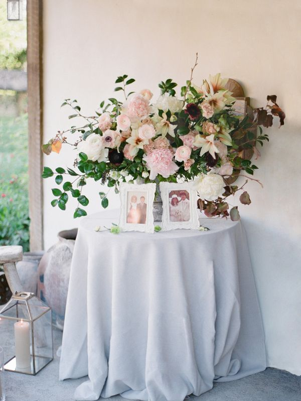 An Unexpected Color Palette for a Cozy Ranch Wedding – Style Me Pretty