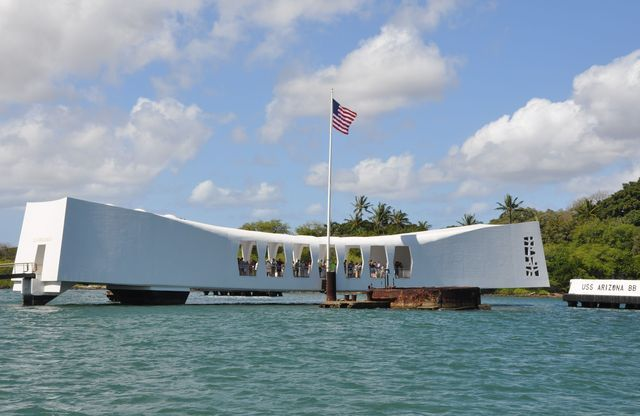 Tips for visiting Pearl Harbor and the USS Arizona Memorial, Hawaii's most popular visitor attraction.