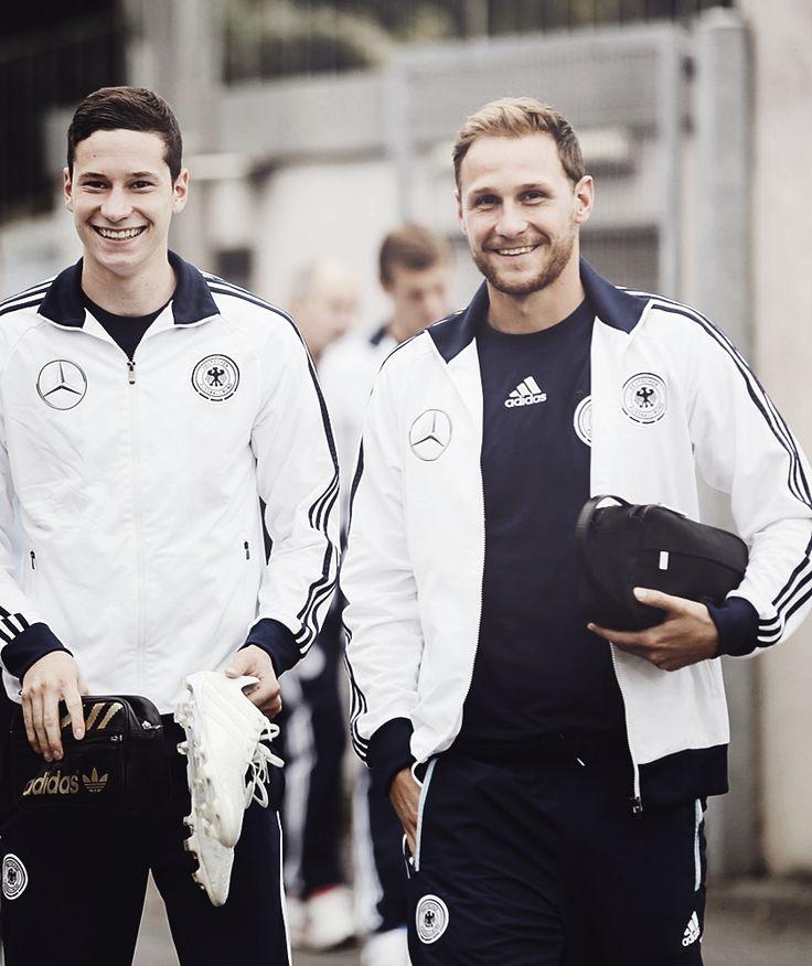 Jule and Benni - German NT. The Schalke babes. ;) Those smiles. <3