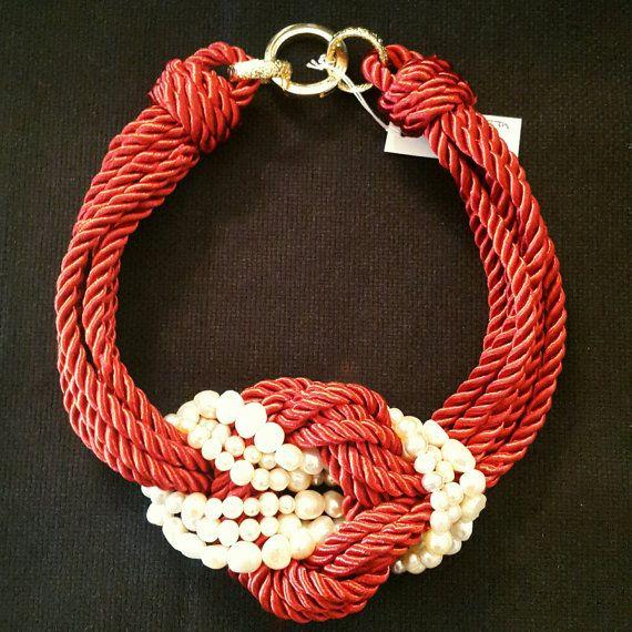 Girocollo in cordone di seta bordeaux con di LArteDeiParticolari