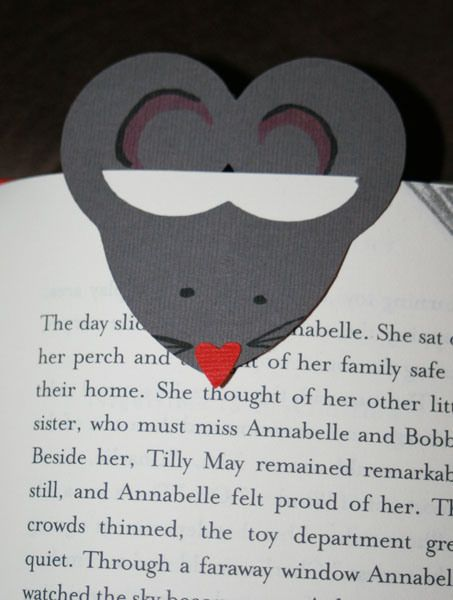 Mouse Bookmark.  What would the mouse SAY about this book?  For a creative book sharing session let the mice speak–Readers Theater style!  For free trustworthy Readers Theater scripts and ideas see www.ReadersTheaterAllYear.com