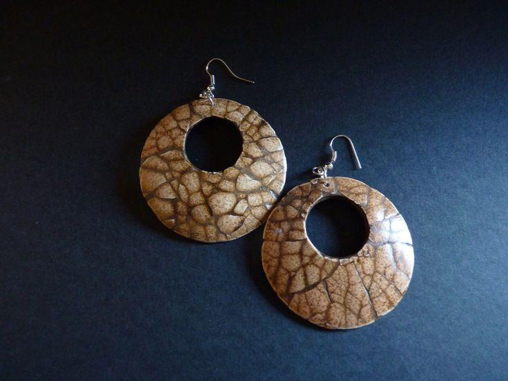 Boucles d'oreilles ethniques chics et écolos en noix de coco et mosaïque de coquille d'œuf : Boucles d'oreille par lumo34