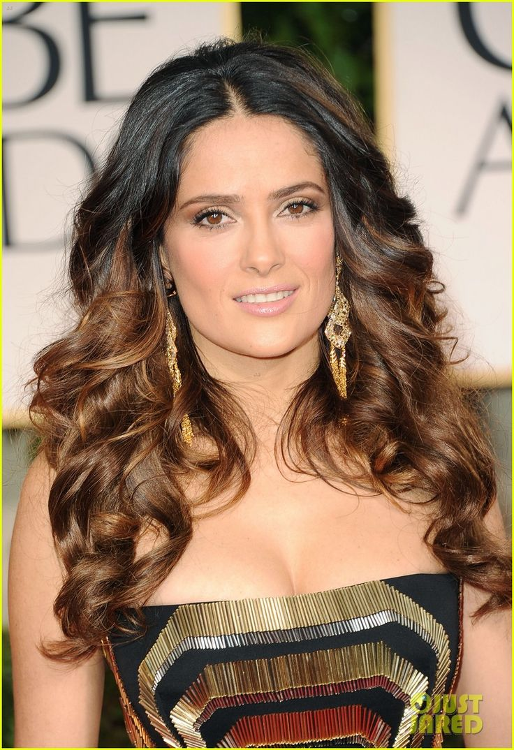 beautiful ombre, beautiful selma hayek! People yes this trend came out 3-4 years ago, but as you can see it is still going. Selma at Golden Globes 2012