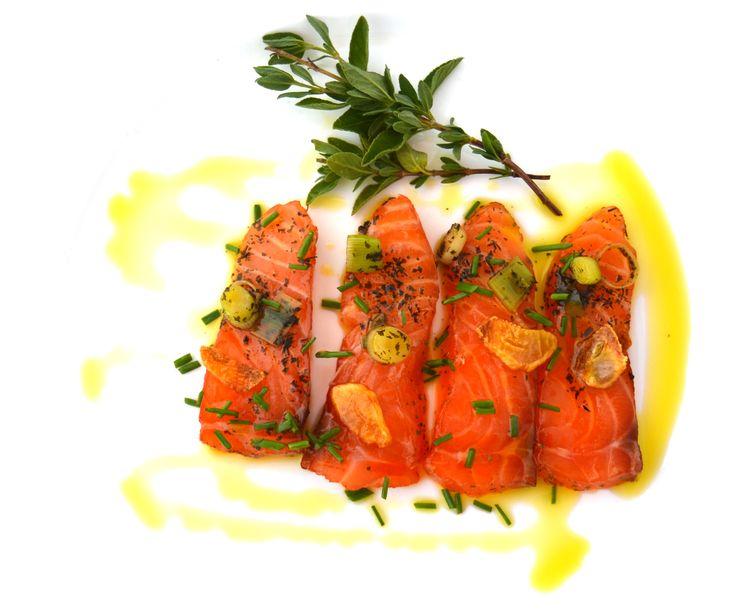 Salmón macerado con Vinus. Platos sin carne y con Vinesenti en www.restauranteespadana.es