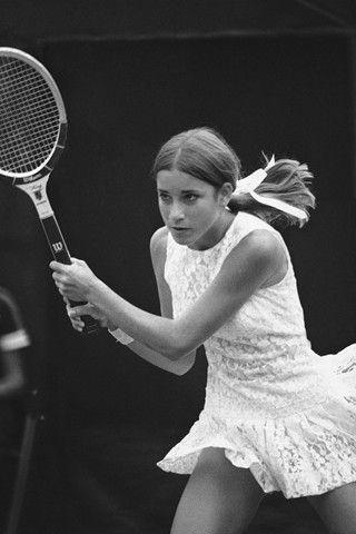 Lace tennis dress. Evert, siempre Evert.