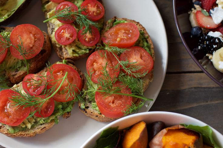 Sourdough topped with mashed avocado, fresh dill and tomatoes. If you have not already tried dill on avocado toast, go do it, NOW! It is a whole new level of YUM.