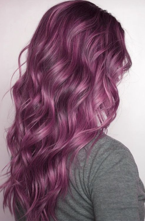 Lilliac/lavender hair. Strangely this is the colour of my hair right now but I wish it was longer and with these great waves.