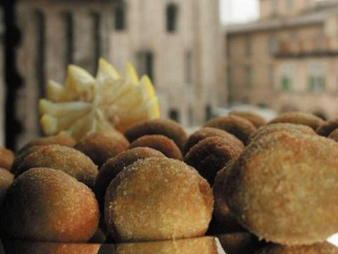 Olive Ascolane: Typical Products - Marche, Italy
