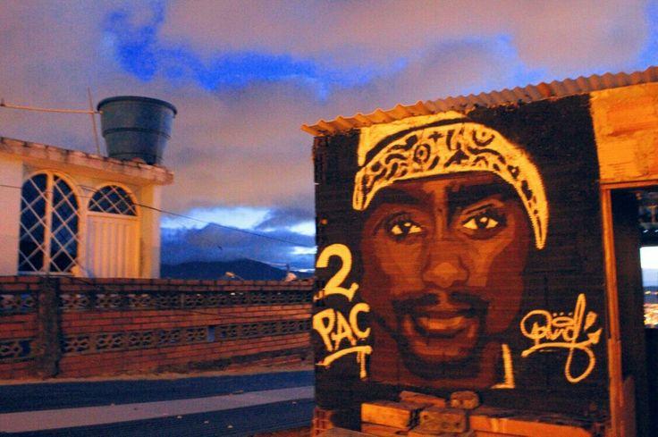Mural homenaje a 2pac chakur By #davidstivenwild Tecnica: aerosol y brocha.