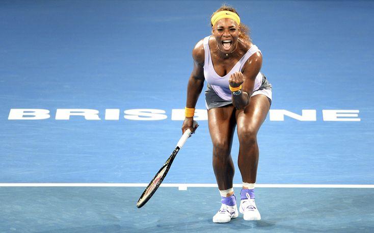 Serena Williams sărbătoreşte câştigarea unui punct în meciul contra Mariei Sharapova, în meciul din semi-finala turneului de tenis de la Brisbane, vineri, 3 ianuarie 2014. (  William West / AFP  ) - See more at: http://zoom.mediafax.ro/sport/imaginile-sportive-ale-inceputului-de-an-11929879#sthash.HTnrwlXY.dpuf