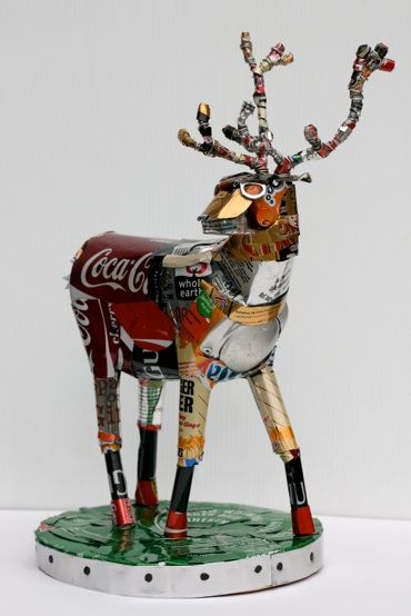 Elk recycled sculpture made from aluminium cans, by Michelle Reader