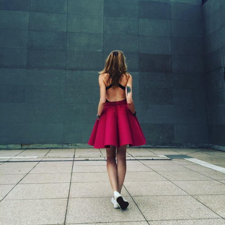 Street glam. Magenta felt skirt by Sweet Revenge