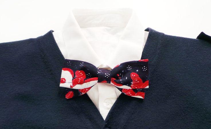 mens bow tie cotton - black BATIK bowtie - red bow tie - cotton bow ties - floral bowties - vintage bow tie - adjustable bowtie by Hueynie on Etsy