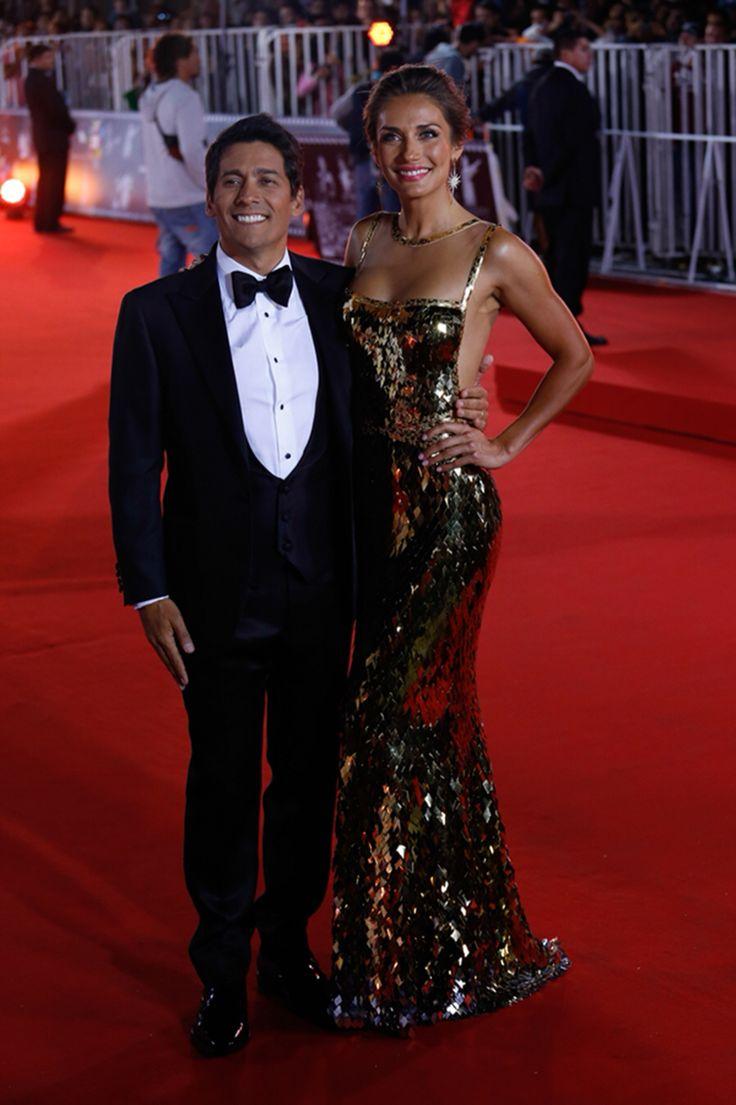 #Carolina de Mora # gold #gala viña del mar # vestido