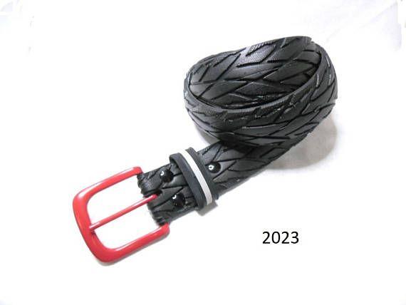 Handmade Herrengürtel aus recycelten Fahrradreifen