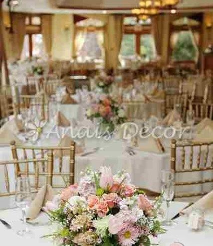 flowers table decoration with roses